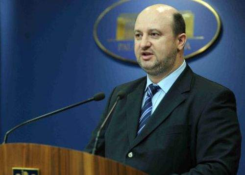 Ministerul Finanţelor roagă enoriaşii care iau lumină să solicite şi bon fiscal