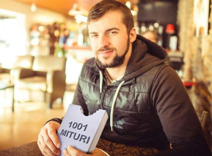 Dezamăgit că nu găseşte gândaci în iaurt, cum a citit pe internet, un român şi-i pune singur