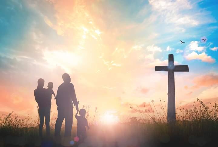 Românii cer deschiderea bisericilor, să se poată ruga pentru deschiderea birturilor