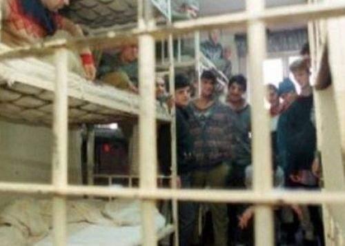 Deţinuţii cu pedepse până în 6 ani se tem că o să fie evacuaţi din închisori în prag de iarnă