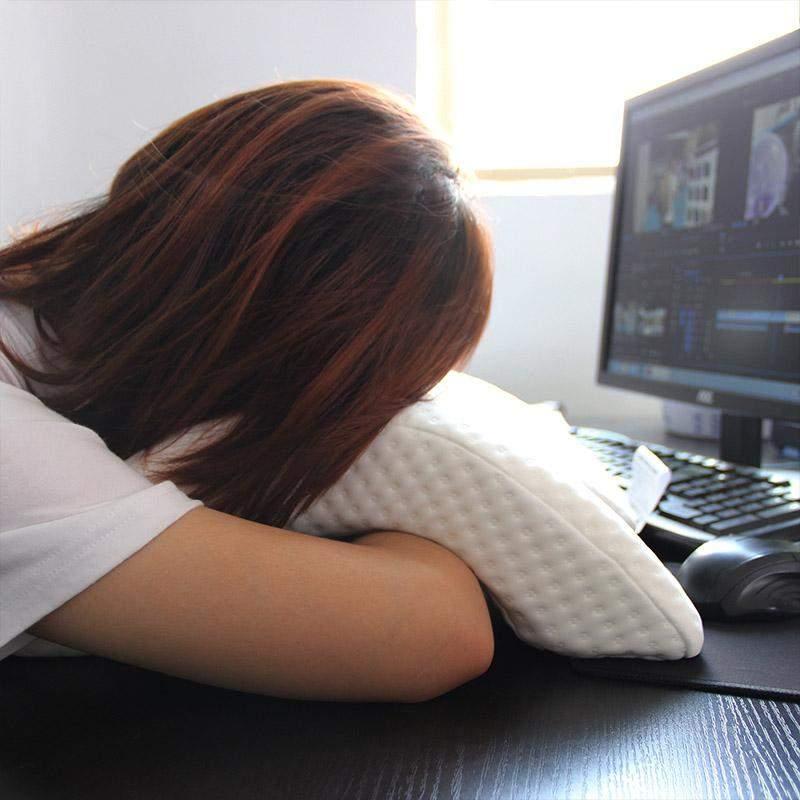 Legendă. IT-iştii care dorm cu tastatura sub pernă visează stack overflow