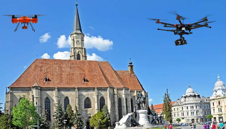 Clujenii, supravegheați cu dronele, ca să se uite și Boc de sus măcar o dată