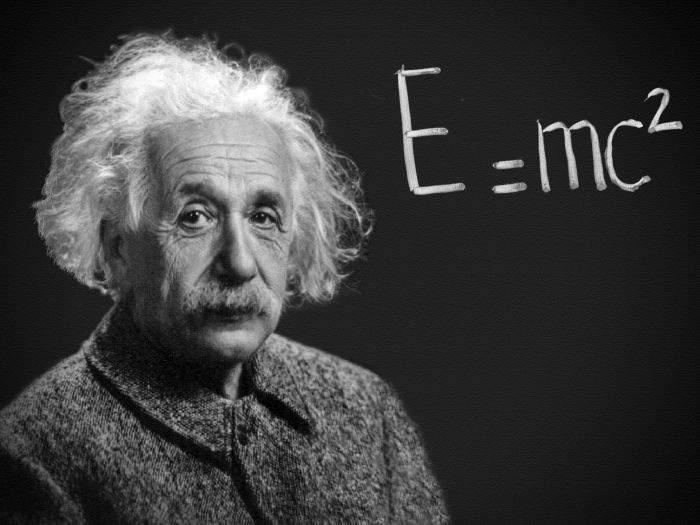 Einstein, geniul neînţeles. Chiar şi acum lumea crede că E=mc2 e o formulă de calcul pentru numărul de E-uri din mâncare