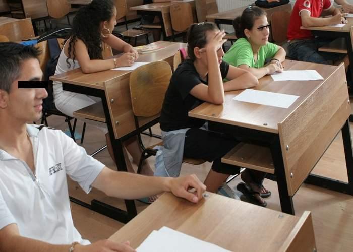 Elevii acuză mizeria din toaletele şcolilor: N-ai unde face sex! Unde sunt scrumierele?
