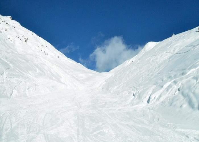 Pentru că de teama avalanşelor s-au interzis manelele, pe Valea Prahovei au venit azi doar 2 turişti
