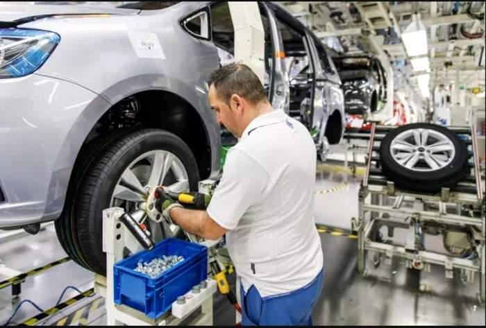10 efecte ale unei eventuale deschideri a unei fabrici Volkswagen în România