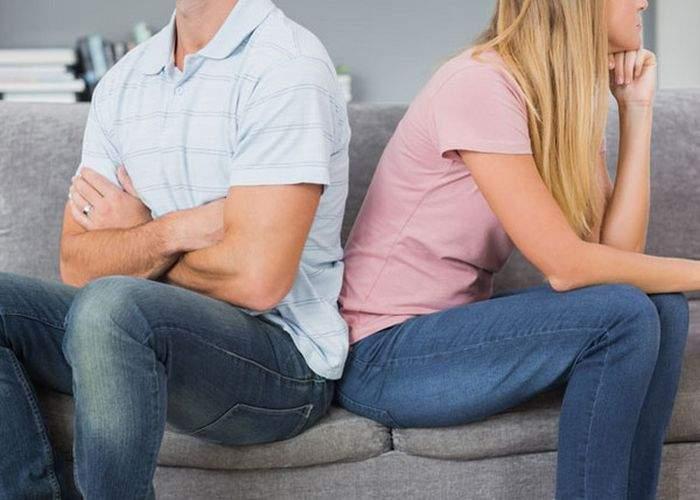 13 indicii că iubitul tău te înşală