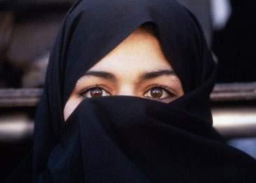 O femeie din Iran, condamnată la zece ani de închisoare pentru viol