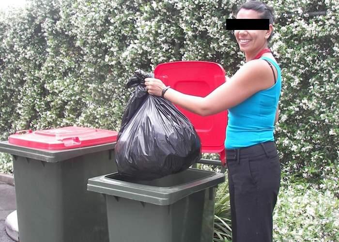 Ăsta influencer! Un blogger şi-a convins soţia să ducă gunoiul printr-o postare