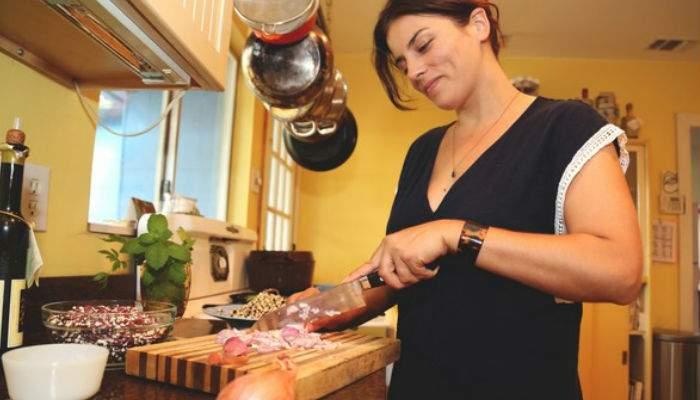 """Cea mai de succes femeie rupe tăcerea şi explică secretul succesului: """"N-am mai ieşit din bucătărie de 10 ani"""""""