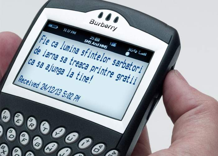 Zece SMS-uri pe care să le trimiteţi de sărbători politicienilor români
