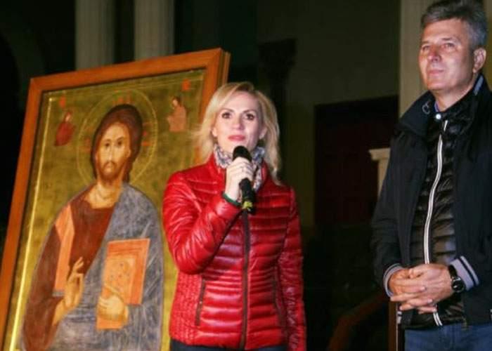 Creştină adevărată! De câte ori o înjură un bucureştean, Firea donează 1000 de euro la Catedrală pentru sufletul lui