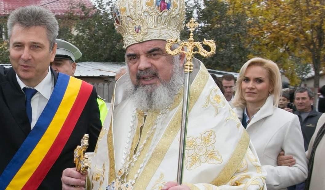 A înnebunit de tot! Firea cere demisia Patriarhului Daniel, pentru că are mai multe zorzoane decât ea