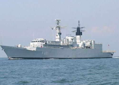Fregata trimisă de Băsescu în Libia a fost capturată de piraţii somalezi