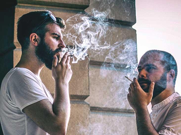 Studiu: 5,6 milioane de români fumează, dar doar 600.000 cumpără ţigări