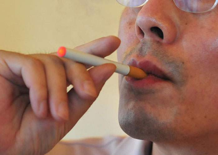 Un tânăr pasionat de ţigari electronice a primit o factură record la curent