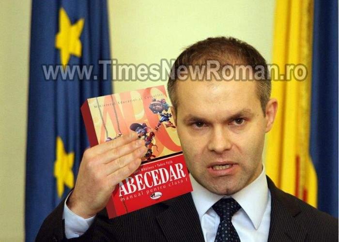 Ministrul Daniel Funeriu vrea să retragă de pe piaţă toate Abecedarele