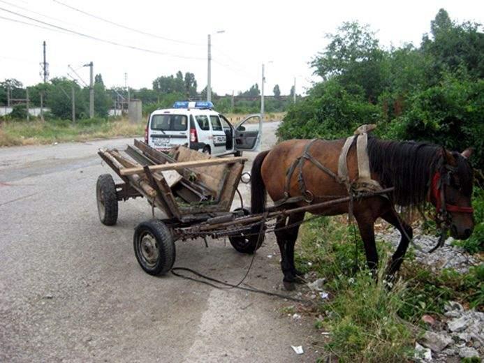 Cetățeni responsabili din Țăndărei au furat calea ferată, ca să izoleze complet orașul