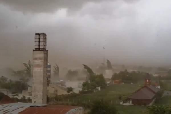 Atât îi duce capul! 7 reacții ale guvernanților pesediști după furtuna devastatoare din vestul țării