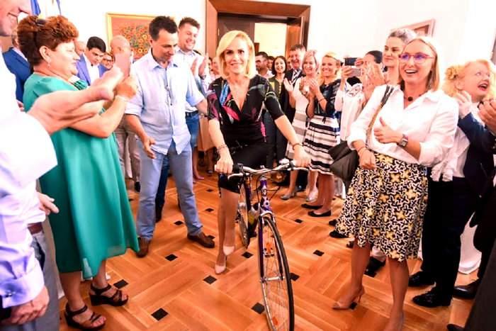 20 de lucruri despre voucherele de 500 de lei pentru biciclete promise de Gabi Firea