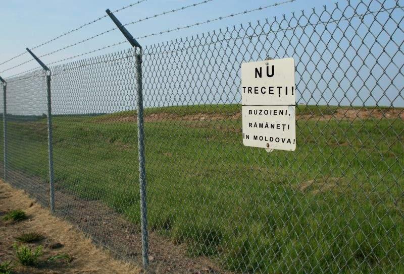 După unguri, și prahovenii au ridicat un gard de sârmă, ca să-i împiedice pe moldovenii din Buzău