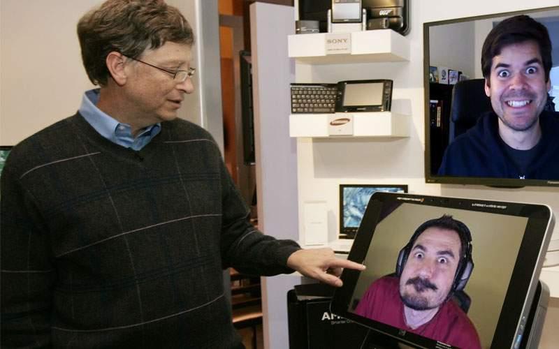 Secretul update-urilor de Windows: Bill Gates se uită prin webcam cum aştepţi ca prostul