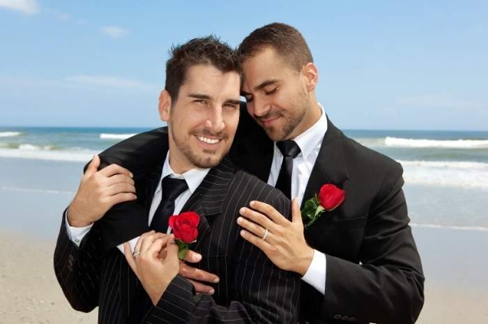 Capcană pentru homosexuali? România va legaliza căsătoriile gay, dar nu şi divorţurile gay