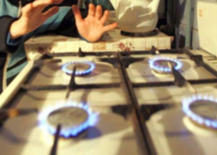 Mii de români, încântaţi că au un pretext să nu-şi mai plătească gazele: Sancţionăm Rusia!