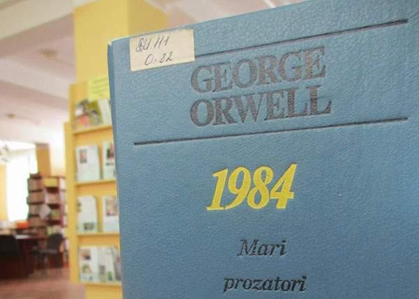 Biblioteca Metropolitană Caracal reclamă dispariția volumelor 1-1983 din opera lui George Orwell
