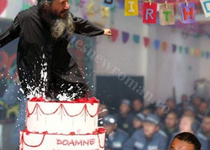 Poza zilei! De ziua lui, Gigi Becali a primit un tort din care a ţâşnit un călugăr de la Athos