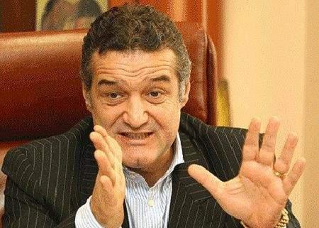 Gigi Becali îşi acuză fotbaliştii că au copiat la examenul de titularizare