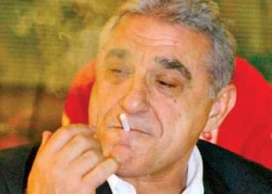 Giovani Becali lansează un atac dur la adresa celor care transpiră pe caniculă