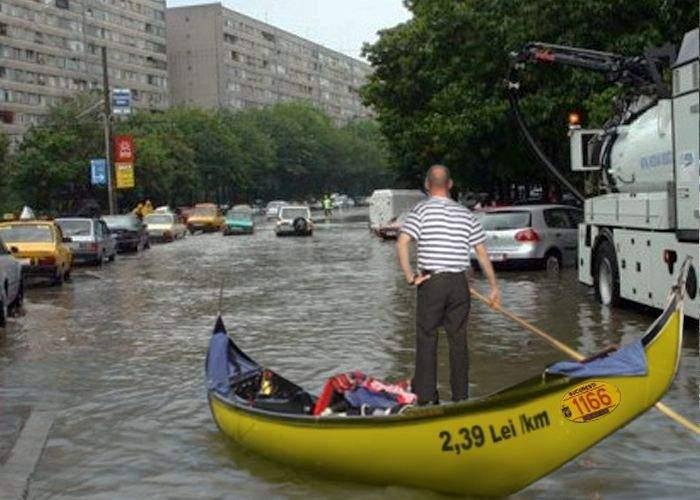 Speculă! Gondolierii din București au mărit tarifele cu 50%