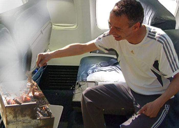 Un avion Blue Air a aterizat de urgență după ce un pasager a încercat să facă un grătar