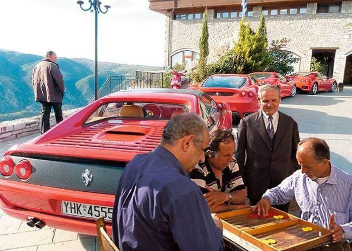 """Grecii boicotează produsele germane: """"Renunțăm la Mercedesuri, trecem pe Ferrari"""""""