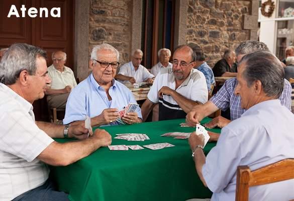 Fotogalerie! Grecii așteaptă cu sufletul la gură rezultatele negocierilor cu creditorii europeni