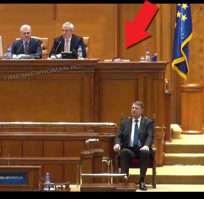 Exclusiv! Grindeanu a fost și el azi în Parlament, dar era pe un scaun foarte mic, în spatele lui Dragnea
