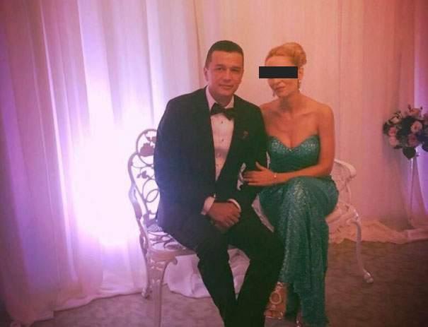 """Soţia lui Grindeanu, fericită că acesta s-a certat cu Dragnea: """"În sfârşit mai strigă şi numele meu când facem sex"""""""