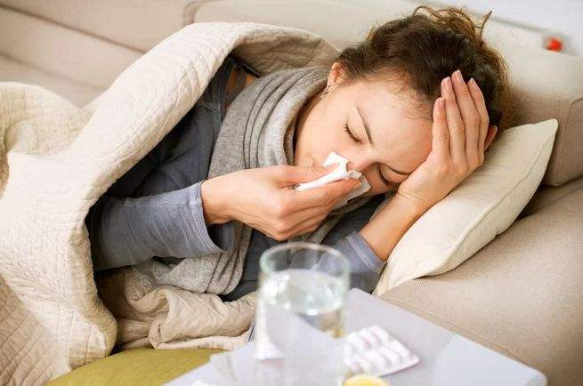 10 semne că ai putea avea noul coronavirus