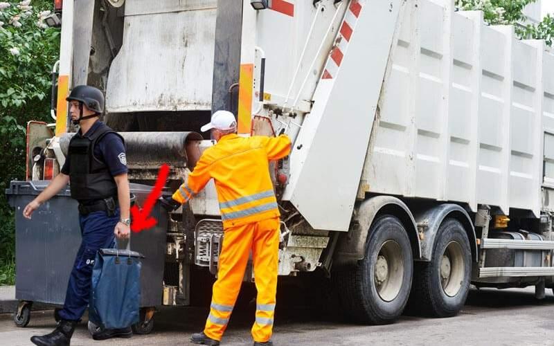 Ştiaţi? În Elveţia maşina de gunoi îţi ia sacul cu resturi şi pune în loc un sac cu bani