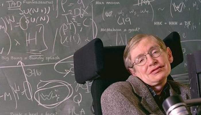 Stephen Hawking s-a dus prea repede. Mai avea puţin până să descopere câte taxe ascunse are un credit bancar în România