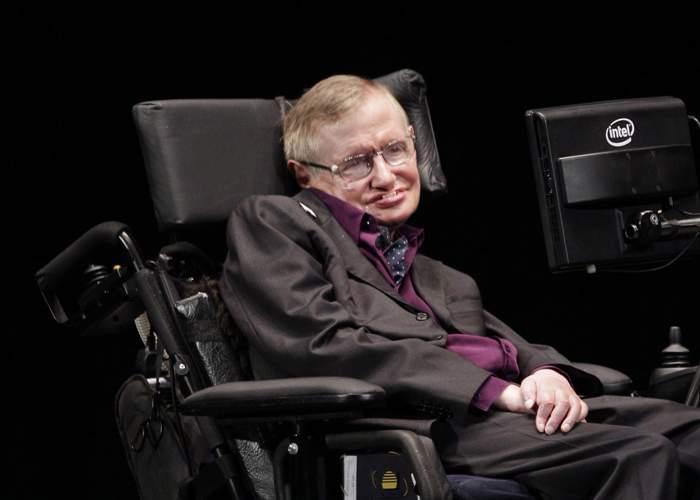 """De ce e Stephen Hawking în scaun cu rotile: """"M-am operat la amigdale într-un spital românesc"""""""