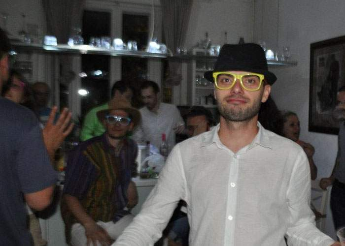 Tot mai mulţi hipsteri se plâng că snobismul a devenit prea mainstream