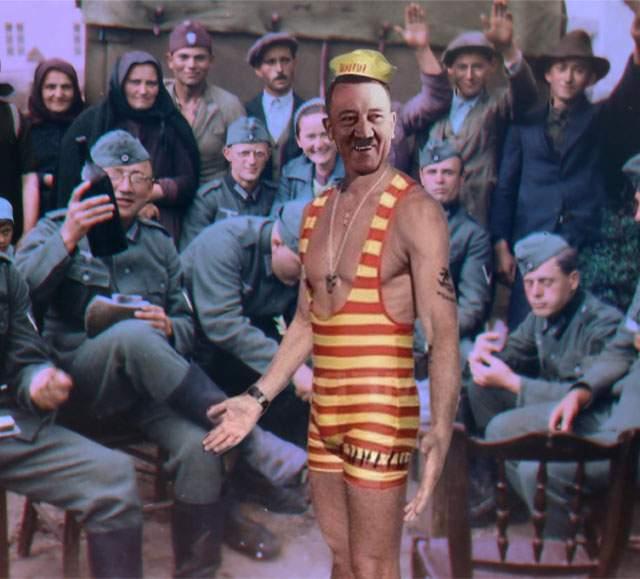Poza zilei! Imagini rare din 1939, cu Adolf Hitler costumat în Radu Mazăre la un carnaval