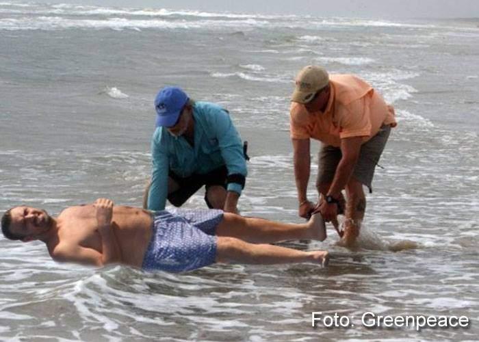 Eșuat pe plaja din Eforie! Zeci de voluntari au luptat să-l redea mării pe Horia Brenciu