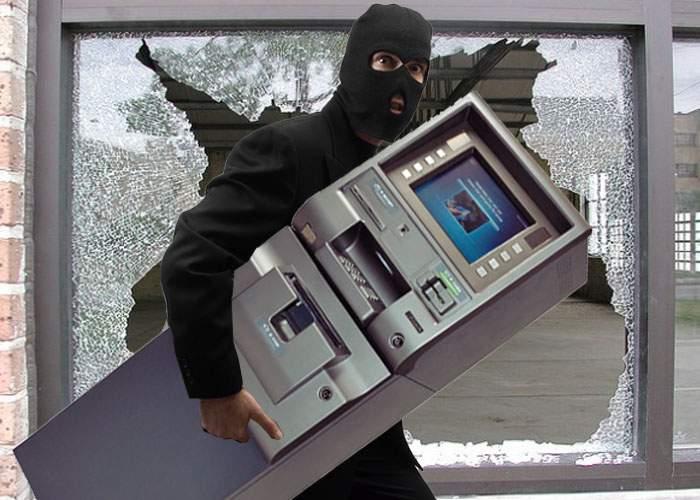 O bandă de hoţi din Caracal fură doar bancomate goale, că sunt mai uşoare