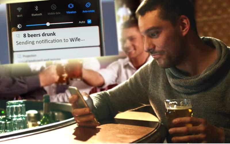 Chiar te spionează! Telefoanele Huawei ştiu câte beri ai băut şi te toarnă la nevastă