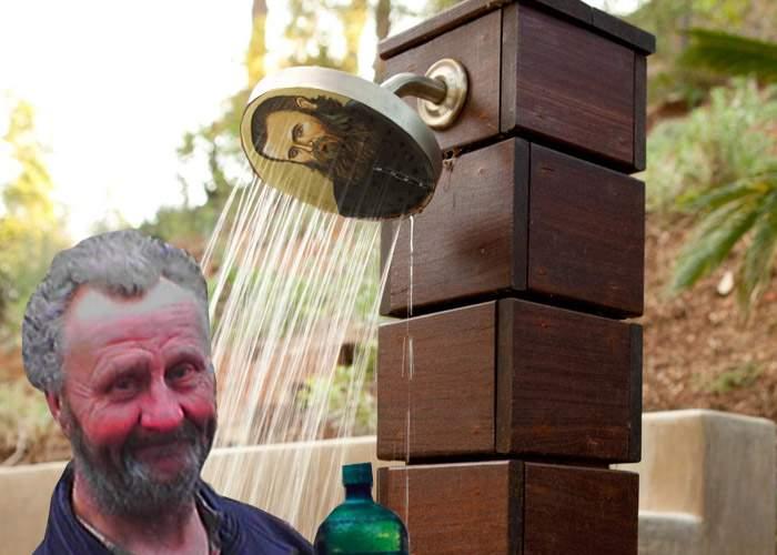 O icoană cu Arsenie Boca lăcrimează atât de tare, că poți face duș la ea