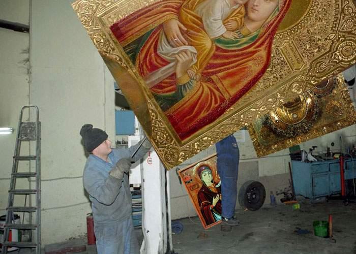 Sute de icoane rechemate la Patriarhie pentru defecţiuni la sistemul de minuni