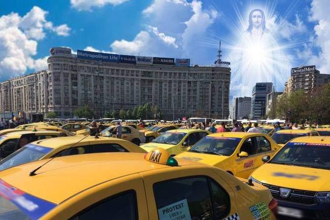 Efectul protestului taximetriştilor. Sunt atâtea cruci şi icoane la Victoriei că a apărut Iisus